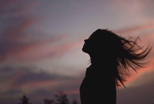 唯美到令人心碎的句子说说 心痛到哭泣的唯美说说1