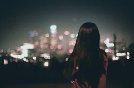 伤感又文艺的小清新女生签名 你是我的一场不敢老去的梦3